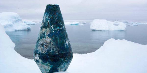 Bouée de plastique fabriquée au Groenland durant l'été 2018 avec l'équipe d'ATKA